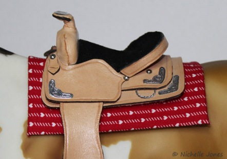 SaddlePad_RedHearts