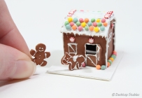 GingerbreadBarn04